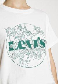 Levi's® - GRAPHIC VARSITY TEE - T-shirt imprimé - white - 6