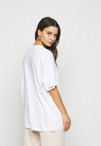 Missguided Petite - 2 PACK - Basic T-shirt - white/mint - 2