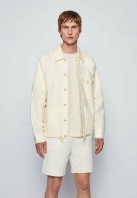 BOSS - LOVEL - Skjorta - light beige - 0