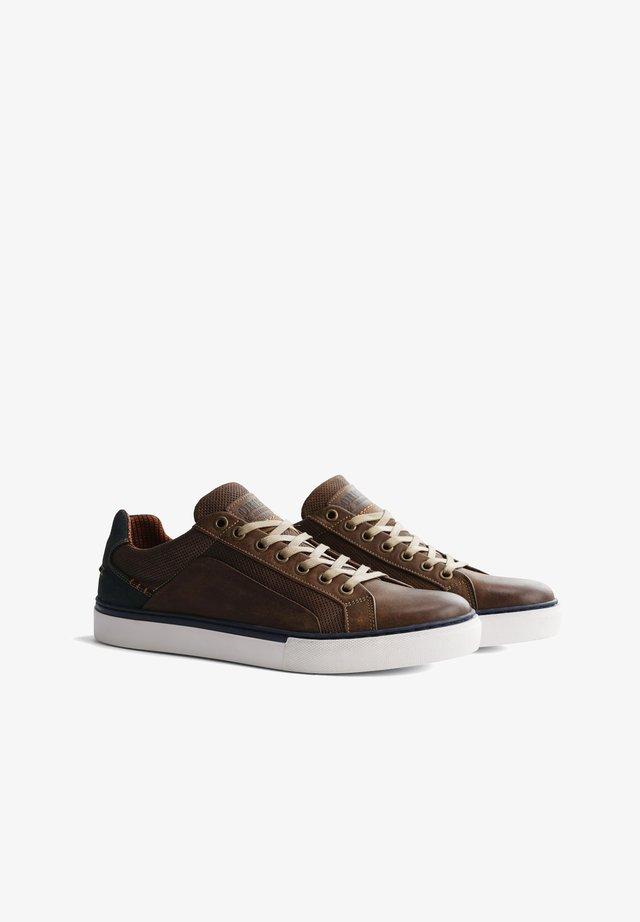 P.JOHNSON - Sneakers laag - brown