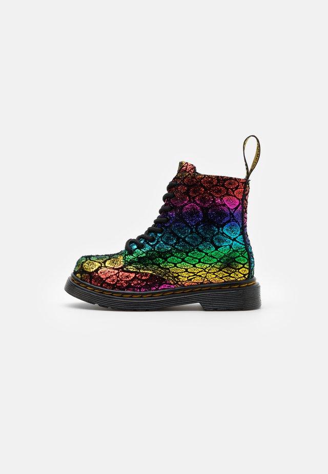 1460 PASCAL METALLIC  - Stövletter - black/rainbow