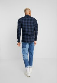 Only & Sons - ONSEMIL CHECK - Koszula - insignia blue - 2