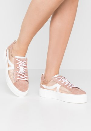 LACE-UP - Baskets basses - rose metallic