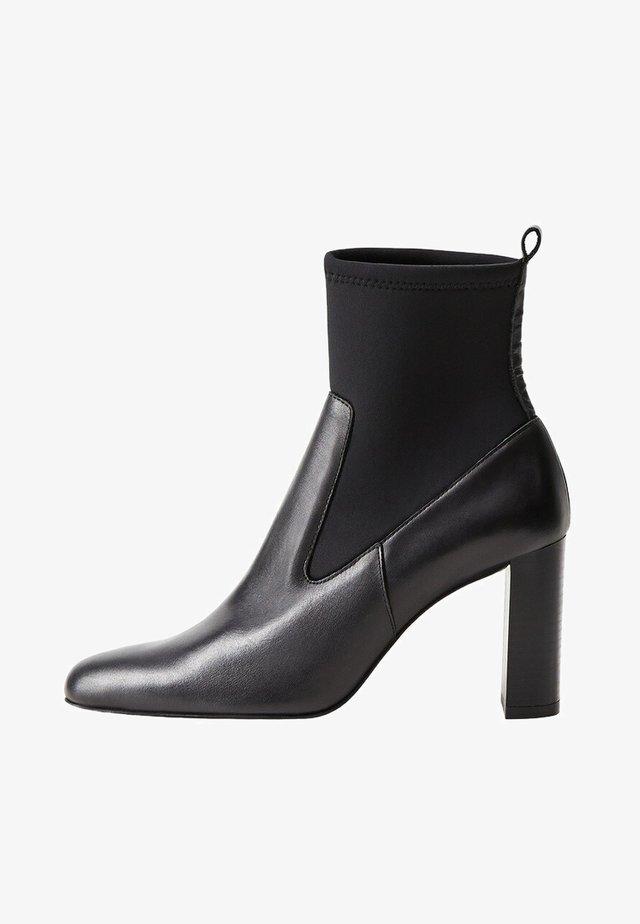 MISHA - Classic ankle boots - noir