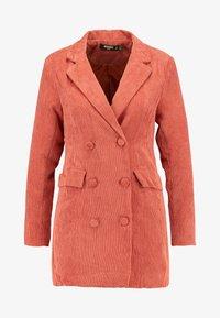 Missguided Petite - BUTTONED BLAZER DRESS - Denní šaty - coral - 5