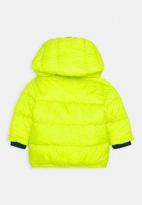 BOSS Kidswear - PUFFER JACKET BABY  - Winter jacket - green lemon - 1