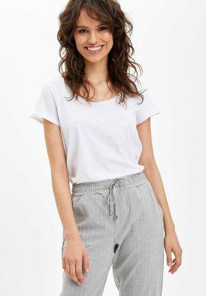 Osnovna majica kratkih rukava - white
