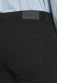 ONLY - ONLCORAL LIFE POWER BOX - Jeans Skinny Fit - black - 3