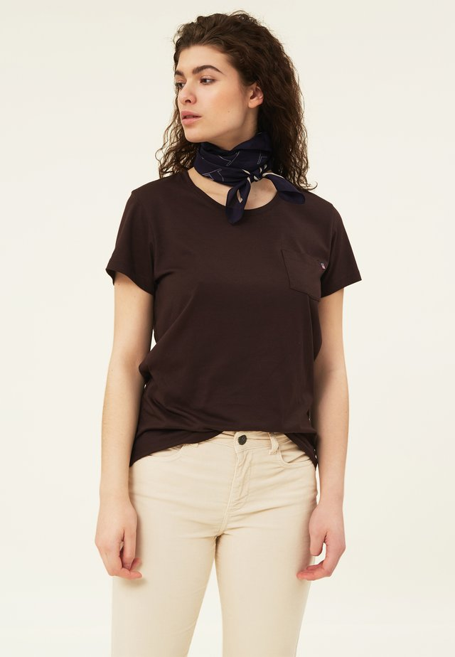 ASHLEY TEE - T-shirt - bas - dark brown