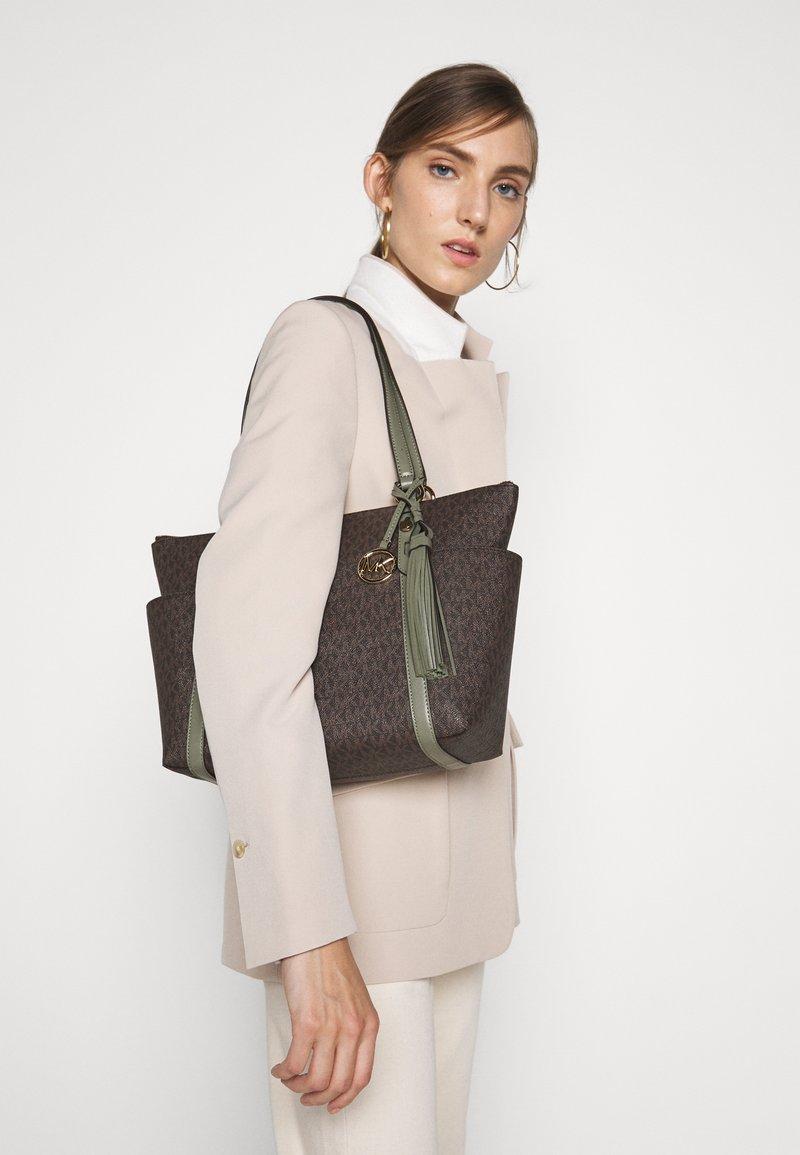 MICHAEL Michael Kors - SULLIVAN TOTE - Handbag - army green