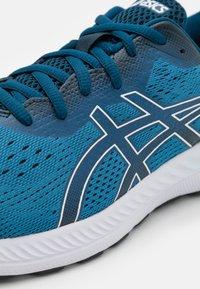 ASICS - GEL EXCITE 8 - Scarpe running neutre - reborn blue/white - 5