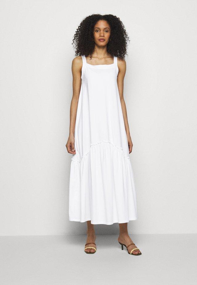 DINANE - Długa sukienka - weiss