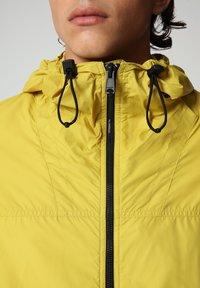 Napapijri - A-CIRCULAR - Outdoor jacket - yellow moss - 4