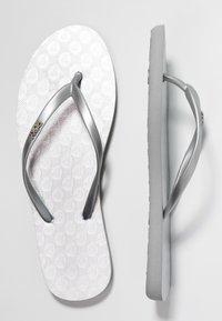 Roxy - VIVA  - Boty do bazénu - silver - 3