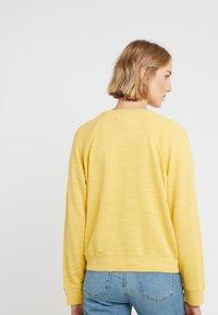 J.CREW - MALIBU TERRY POCKET - Sweatshirt - rich gold - 2