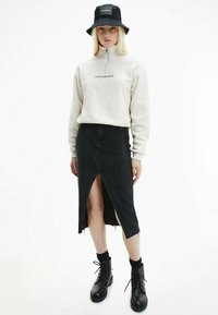 Calvin Klein Jeans - POLAR ZIP NECK  - Fleece jumper - white sand - 1