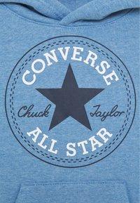 Converse - CHUCK PATCH HOODIE  - Mikina skapucí - coast heather - 2