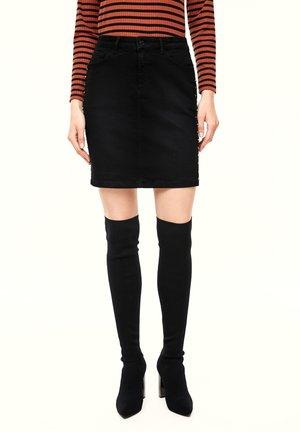 MIT SCHMUCK-APPLIKATIONEN - Denim skirt - black