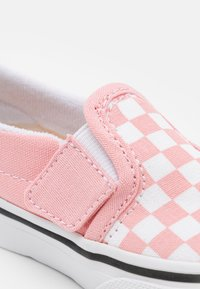 Vans - TD SLIP-ON V - Sneakers laag - powder pink/true white - 5