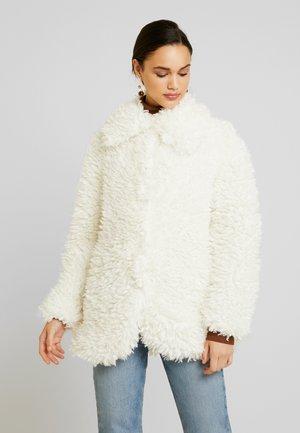 SHAGGY COAT - Winter jacket - cream