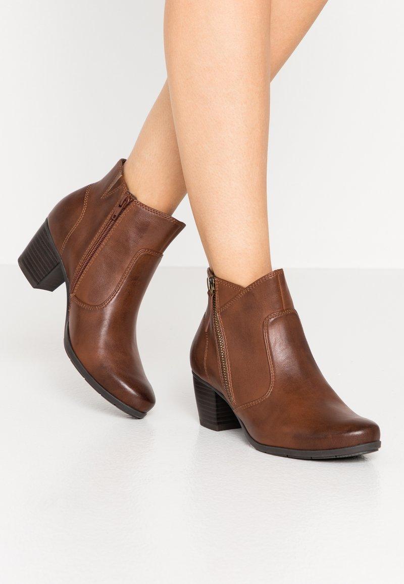 Jana - Ankle boots - chestnut