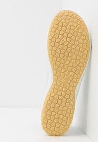ECCO - BIOM LIFE - Sneakersy niskie - white - 4