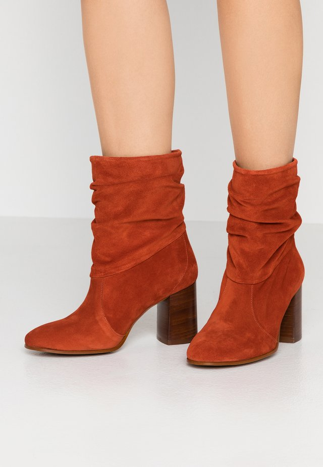 AGATA - Classic ankle boots - teja