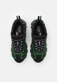all in - TENNIS UNISEX - Trainers - black/green - 3