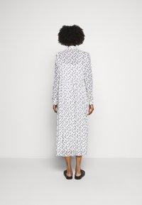 Bruuns Bazaar - THORA ALASKA DRESS - Shirt dress - white - 2