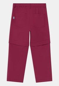 Finkid - URAKKA MOVE 2-IN-1 UNISEX - Outdoorové kalhoty - beet red - 1