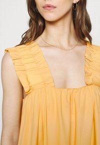 Vero Moda - VMLANIE DRESS - Vestido informal - cornsilk - 5