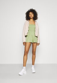 Missguided - TIE STRAP SHIRRED BODICE PLAYS - Overal - khaki - 1