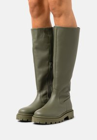 Selected Femme - SLFEMMA HIGH SHAFTED BOOT  - Plateaustiefel - kalamata - 0