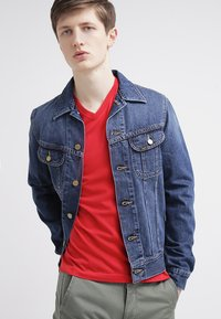 GANT - ORIGINAL SLIM V NECK - T-shirt - bas - bright red - 3