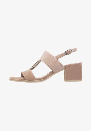 Sandály - phard