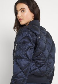 Tommy Jeans - TJW DIAMOND QUILTED BOMBER - Bomber Jacket - twilight navy - 3