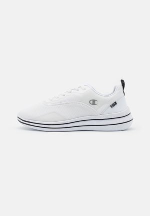 LOW CUT SHOE  - Neutral running shoes - white