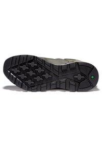 Timberland - SPRINT TREKKER MID FABRIC WP - Sneakersy niskie - dark green mesh - 2