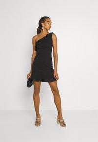 WAL G. - STACEY ONE SHOULDER A-LINE DRESS - Cocktail dress / Party dress - black - 1