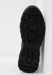 Versace Jeans Couture - LINEA FONDO SPEED - Høye joggesko - black - 6