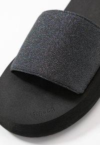 flip*flop - FAT GLITTER - Mules - black - 2