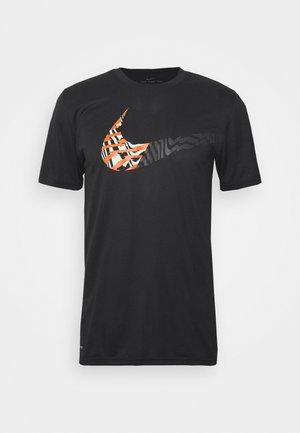 LEG TEE - Print T-shirt - black