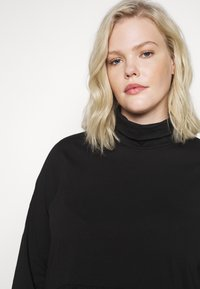 Pieces Curve - PCSERENE ROLL NECK - Long sleeved top - black - 3