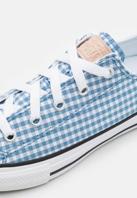 Converse - CHUCK TAYLOR ALL STAR GINGHAM UNISEX - Trainers - aegean storm/white/black - 5