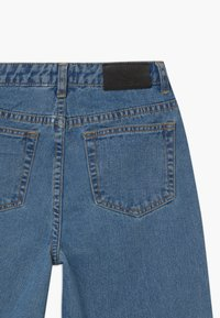 Grunt - WIDE LEG  - Jeans Relaxed Fit - authentic blue - 3