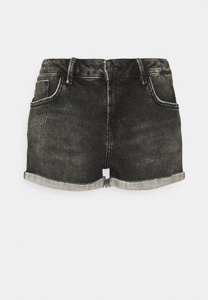 JUDIE - Denim shorts - dias wash
