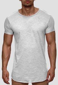 INDICODE JEANS - WILBUR - Print T-shirt - light grey - 0