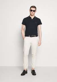 Tommy Hilfiger - COLLAR - Polo shirt - desert sky - 1