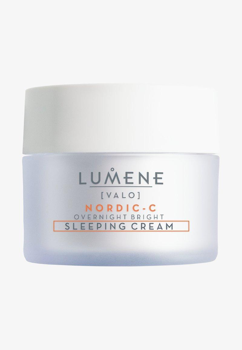 Lumene - NORDIC C [VALO] OVERNIGHT BRIGHT SLEEPING CREAM - Night care - -