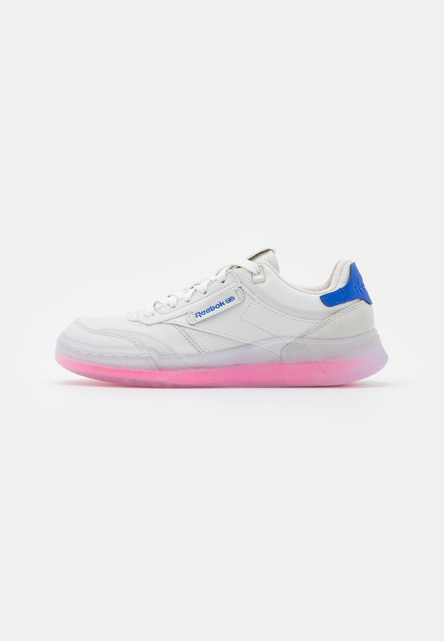 CLUB C LEGACY - Sneakers basse - true grey/electro pink/court blue